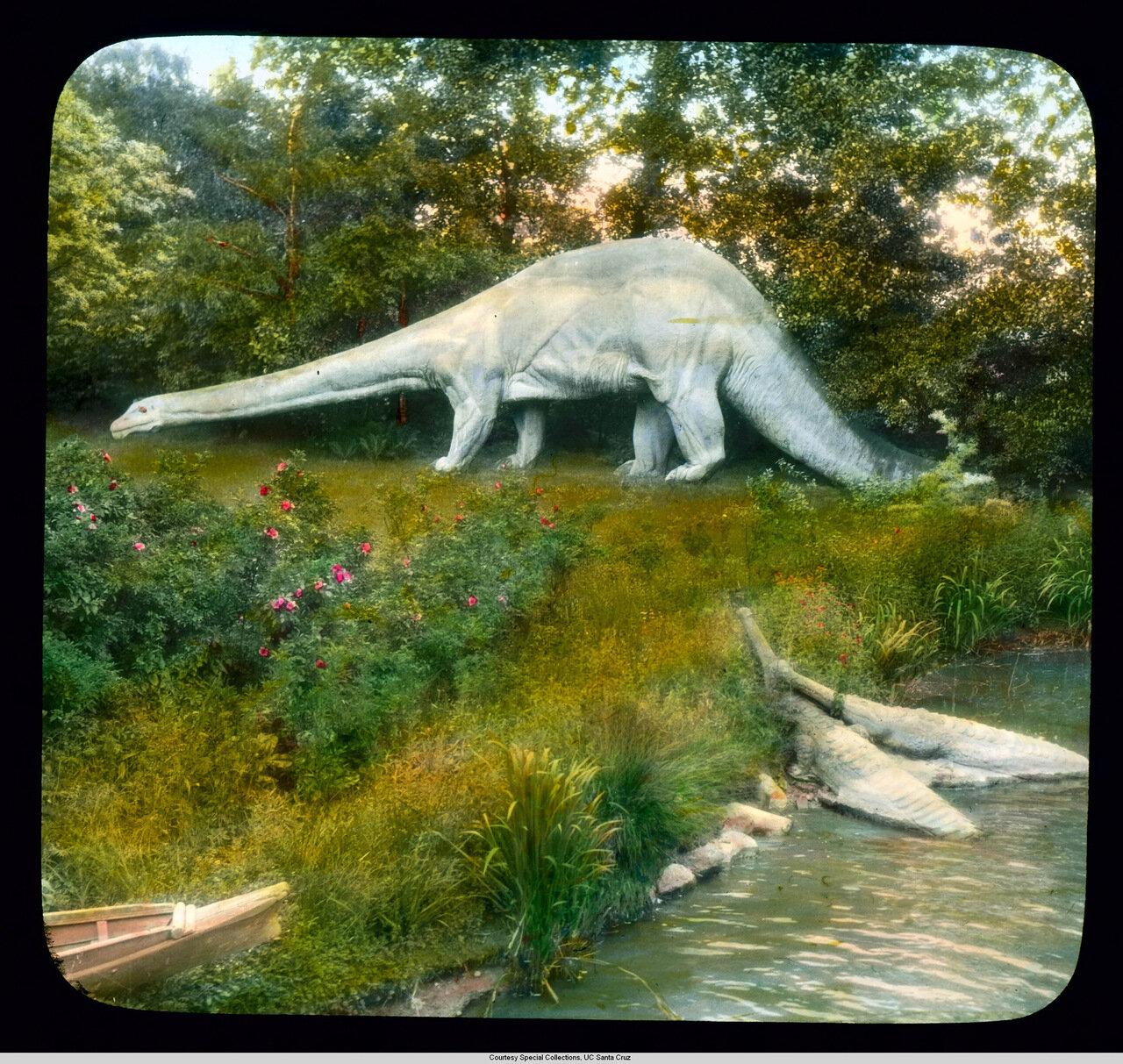 Гамбург. Зоопарк Хагенбек, динозавры на выставке Монстры доисторического прошлого