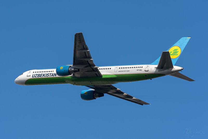 Boeing 757-231 (VP-BUI) Uzbekistan DSC6909