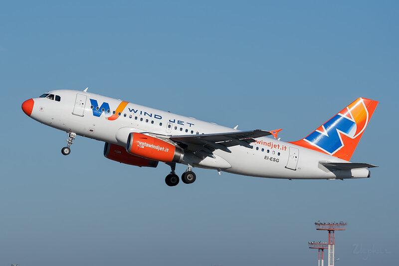 Airbus A319-132 (EI-ESG) WindJet DSC7121