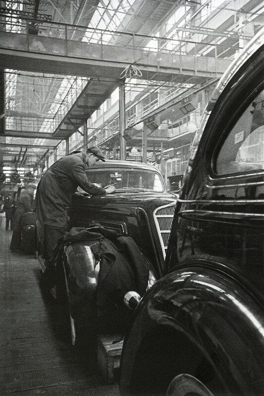 В объективе – советский автоконвейер