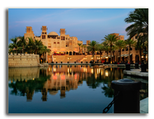 ОАЭ. Дубаи. Madinat Jumeirah. Фото  hitdelight - Depositphotos