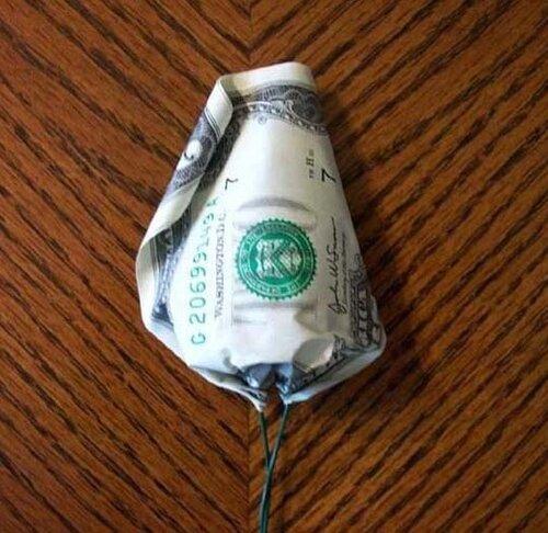 Розы из денег