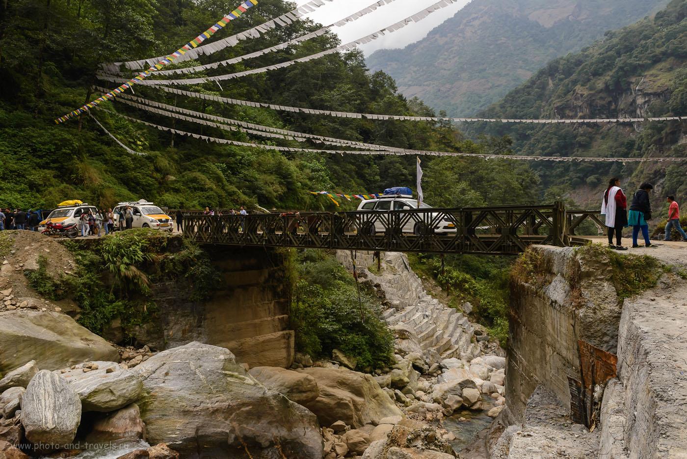 Фотография 6. Мост над ущельем в Гималаях в Индии. Что можно увидеть во время поездки в Yumthang Valley. Отзывы туристов о самостоятельном путешествии по штату Сикким. 8.0, 1/80, 1000, -0.7EV, 26.