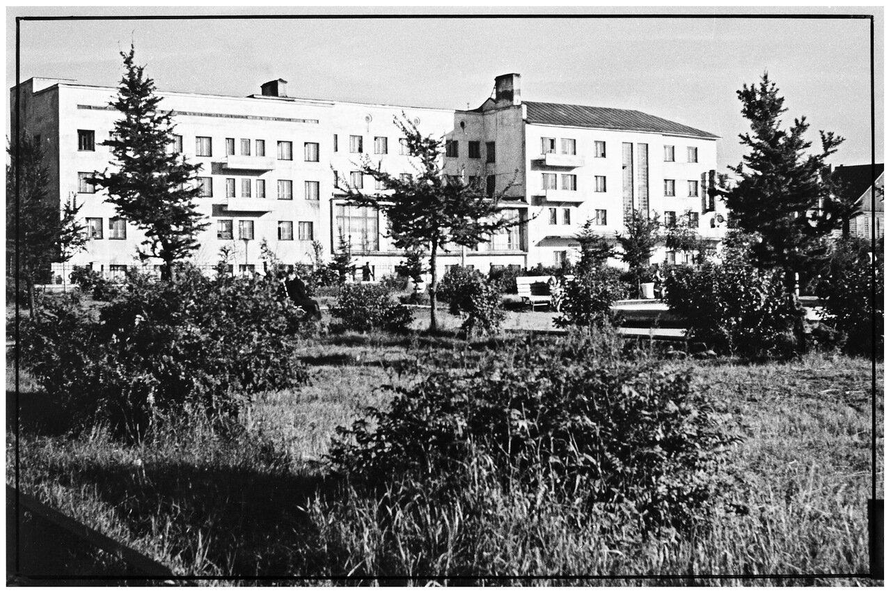 Гостиница Арктика (старая) фасад. 1953.