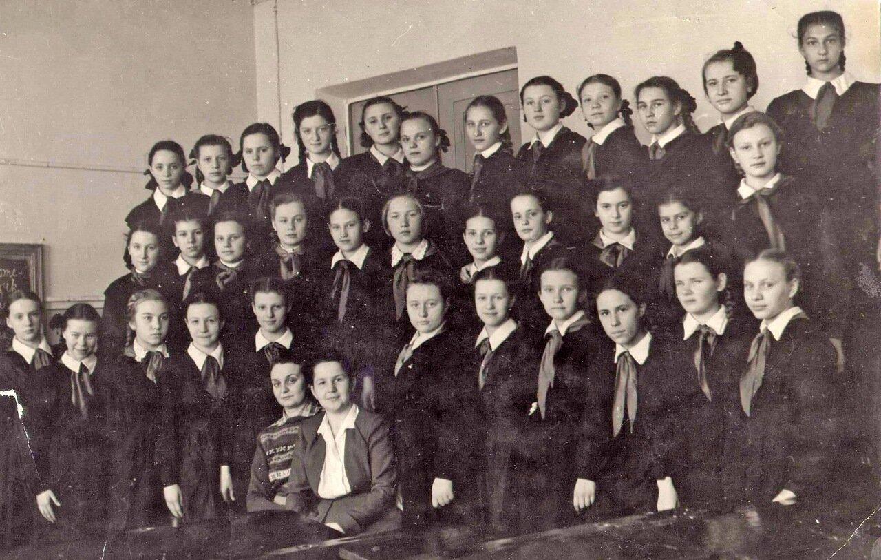 1953 год. 6 класс, школа № 34