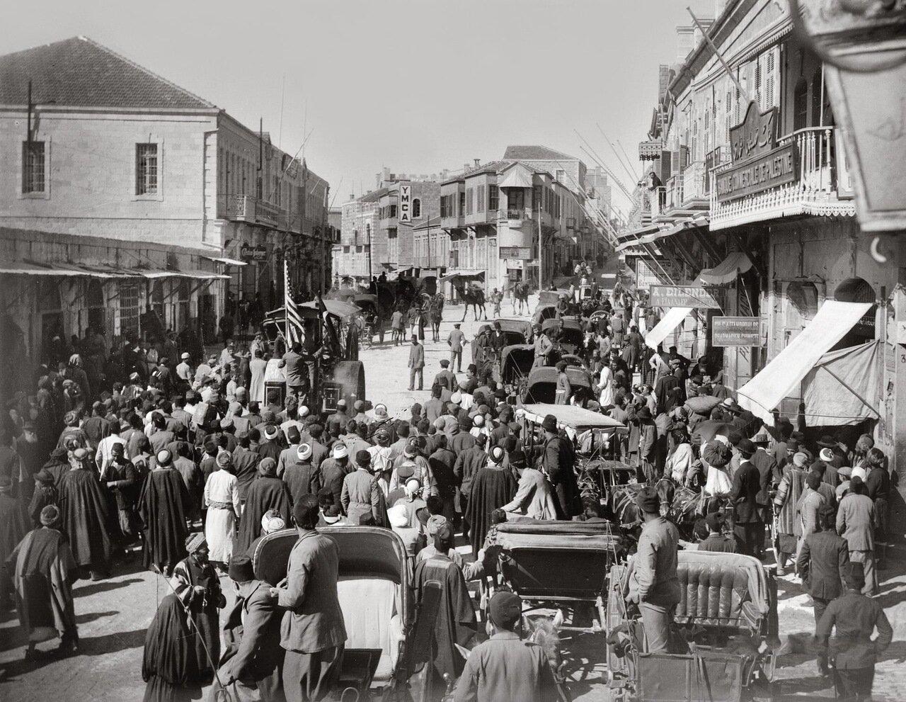 Каток на улице в Иерусалиме