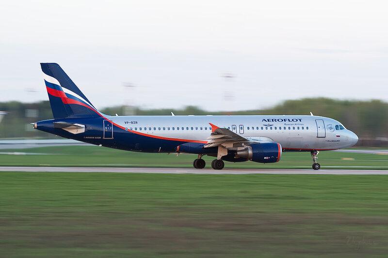Airbus A320-214 (VP-BZR) Аэрофлот D800427