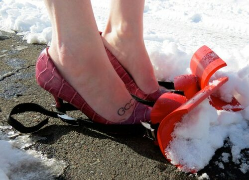 туфли для уборки снега