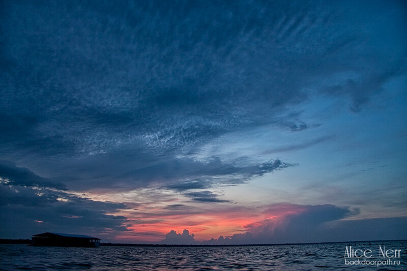 закат на озере Марокайбо, венесуэла