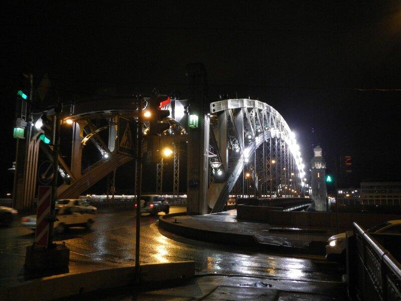 Въезд на большеохтинский мост