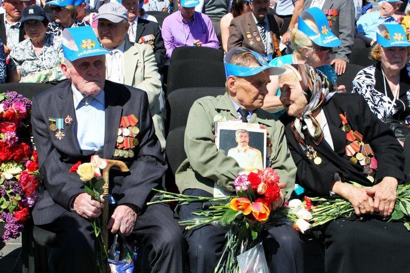 Ветераны в зрительном зале