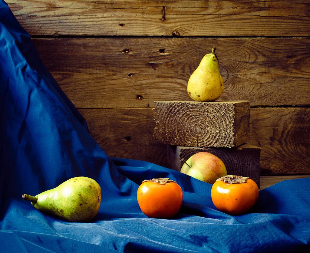 Натюрморт, снятый при естественном освещении в домашней фотостудии. Камера Nikon D5100 KIT 18-55 VR. Параметры съемки: 1.3, 9.0, 100, 24.