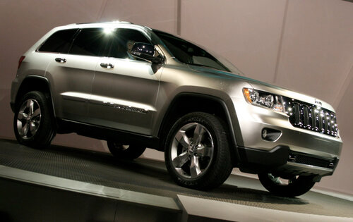 Интерьер нового Jeep Grand Cherokee уже не тайна