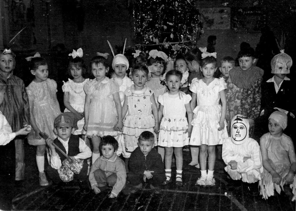 1968-1969. Новогодняя елка