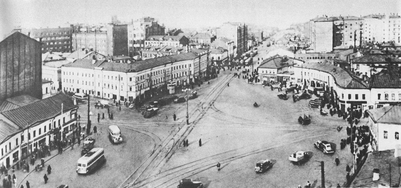 9. Площадь Серпуховской заставы.