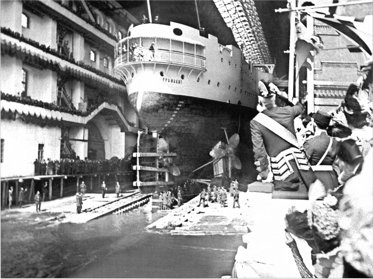 Громобой спуск на воду 8 мая 1899 г.