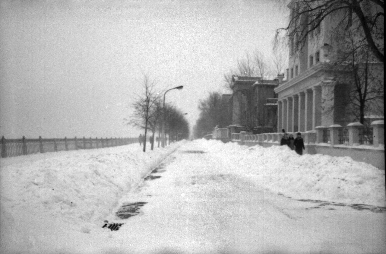 Верхневолжская набережная перекрёсток с улицей Семашко