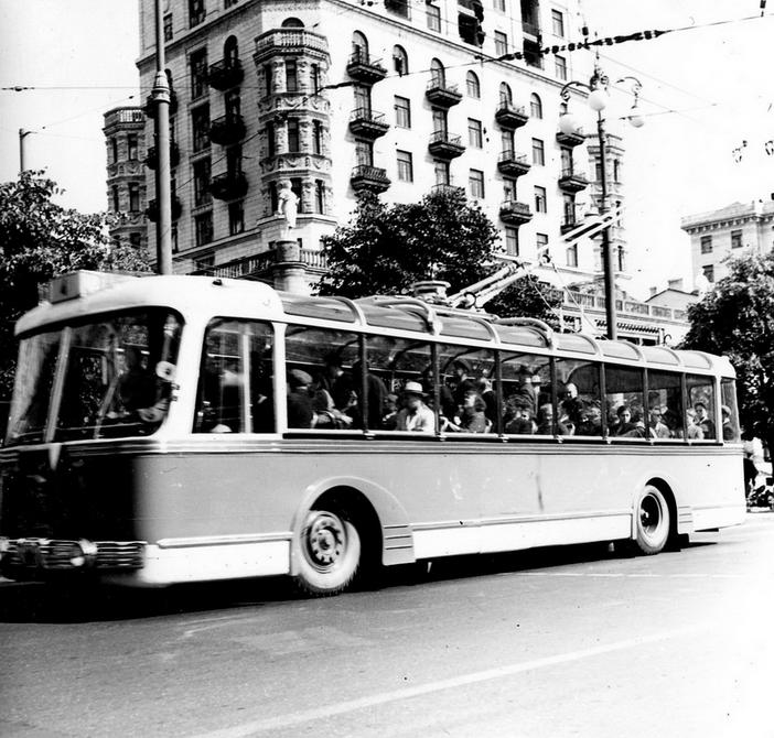 1959.07. Троллейбус №4 на Хрещатике