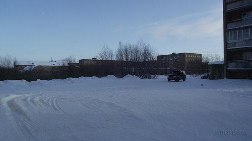 Фото города Инта №3717  Мира 18, 20 и 22 (вид от юго-западного угла Мира 26а) 19.02.2013_12:40