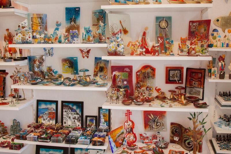 Сувениры острова Санторини. Греция.