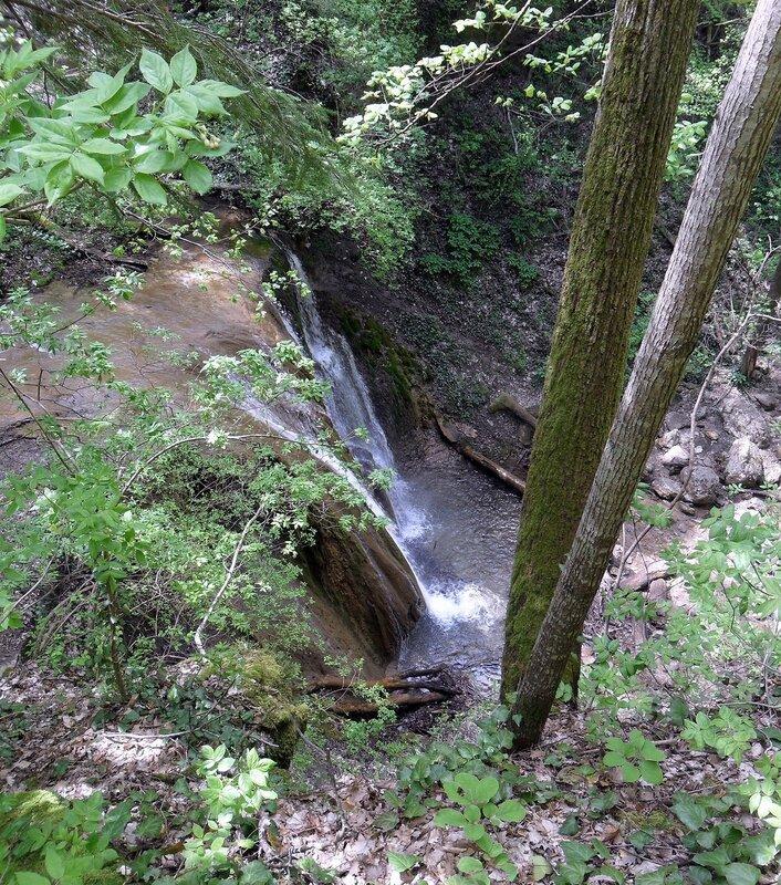 У водопада на реке Каверзе, апрель 2013
