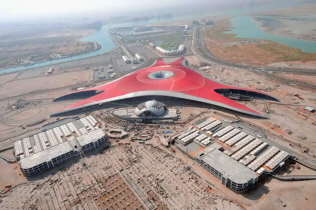 Ferrari World. Абу-Даби, ОАЭ