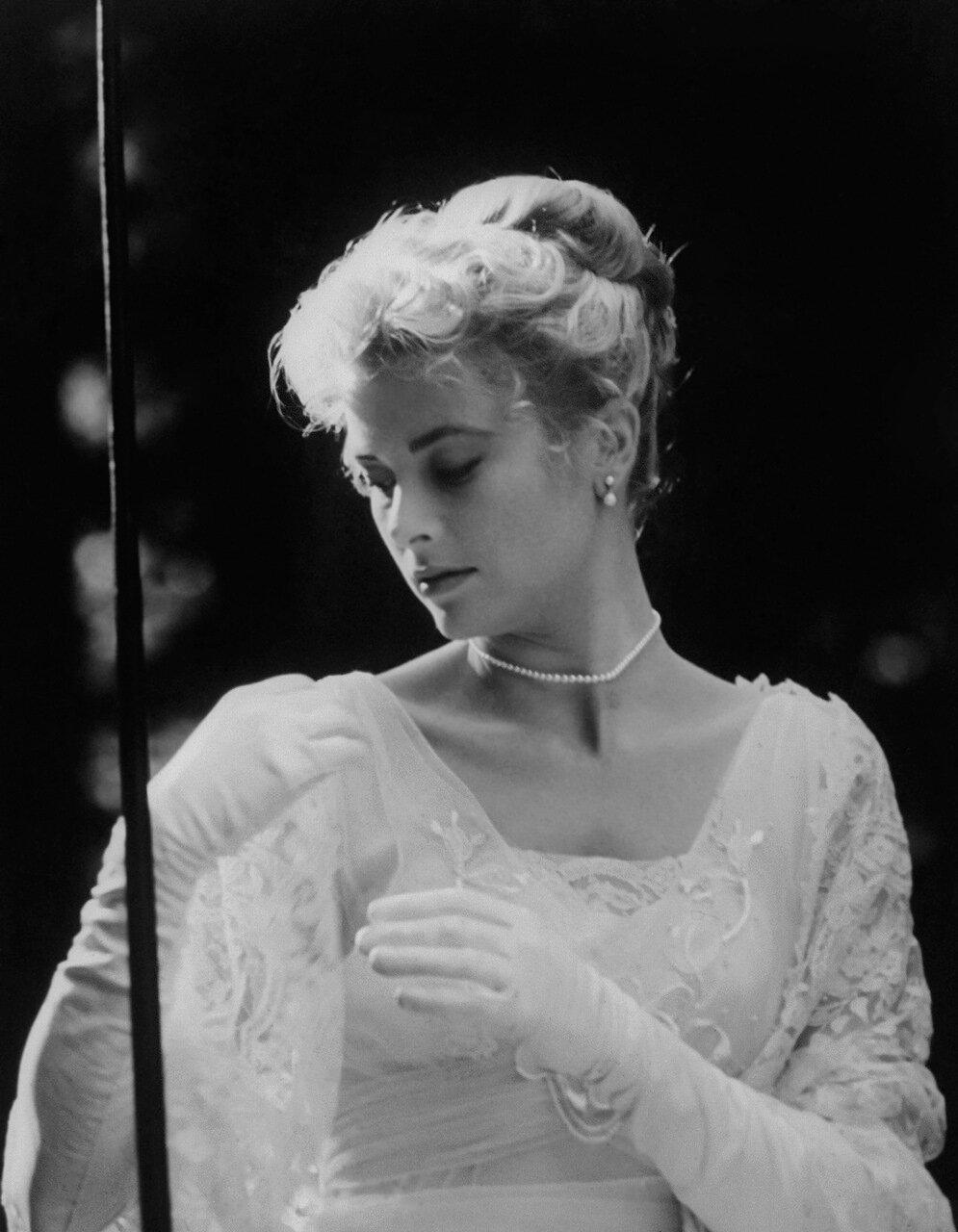 Grace Kelly - The Swan 1956