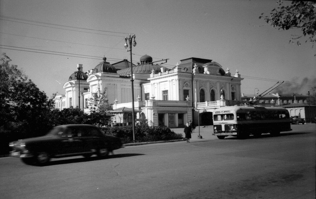 Омск.1958 Драмтеатр и улица Ленина.