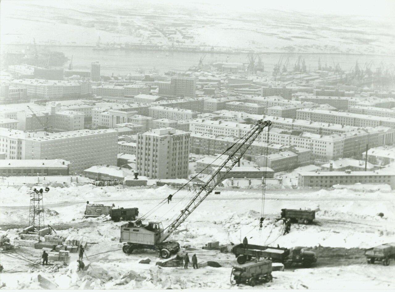 Мурманск строится.