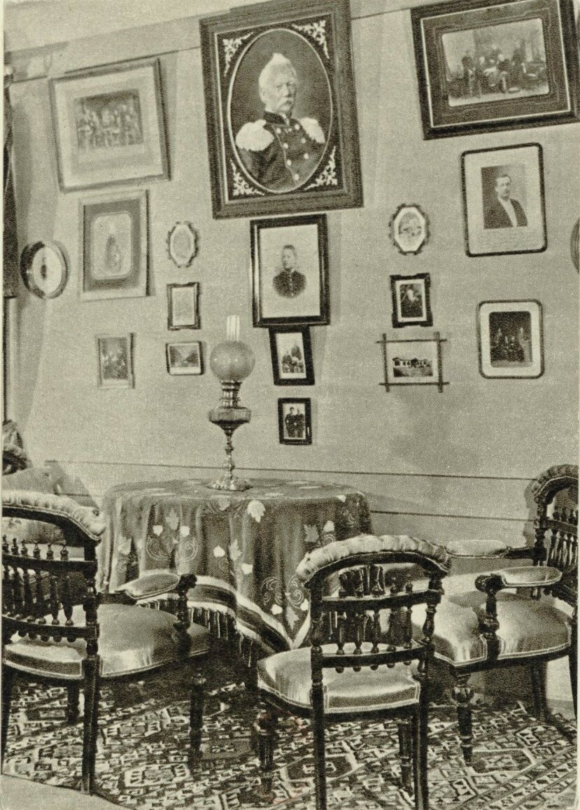 Дом-музей П.И.Чайковского. Интерьер