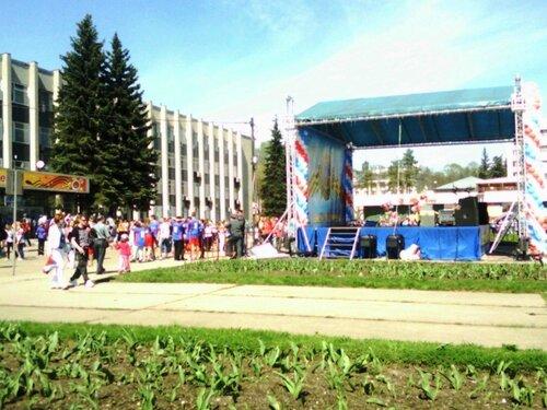 Концертная сцена на Советской площади Сергиев Посад