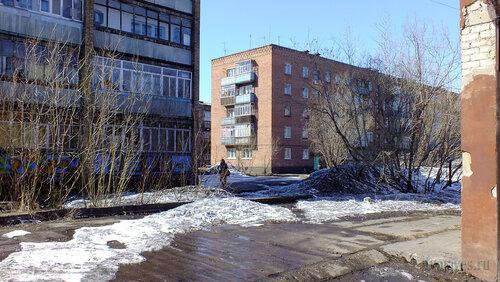 Фото города Инта №4169  Горького 8а и Мира 21 30.04.2013_13:06