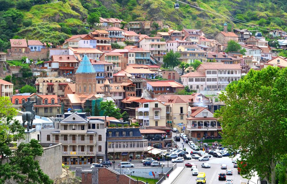 10. Вид на Тбилиси с крепости Нарикала.