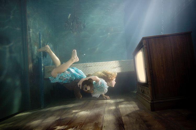 Девушки под водой