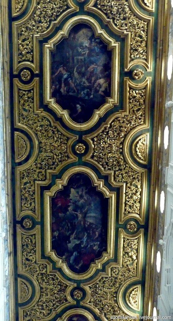 Интерьер кафедрального собора Амальфи. Италия.