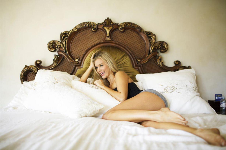 Esquire's Me In My Place Joanna Krupa / Джоанна Крупа у себя дома