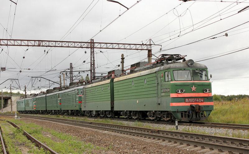 ВЛ10У-072 и ВЛ10У-404 на станции Непецино