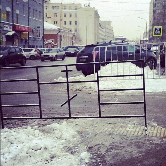 Новое слово в уличных заграждениях: улучшенная защита от кощунниц и содомитов