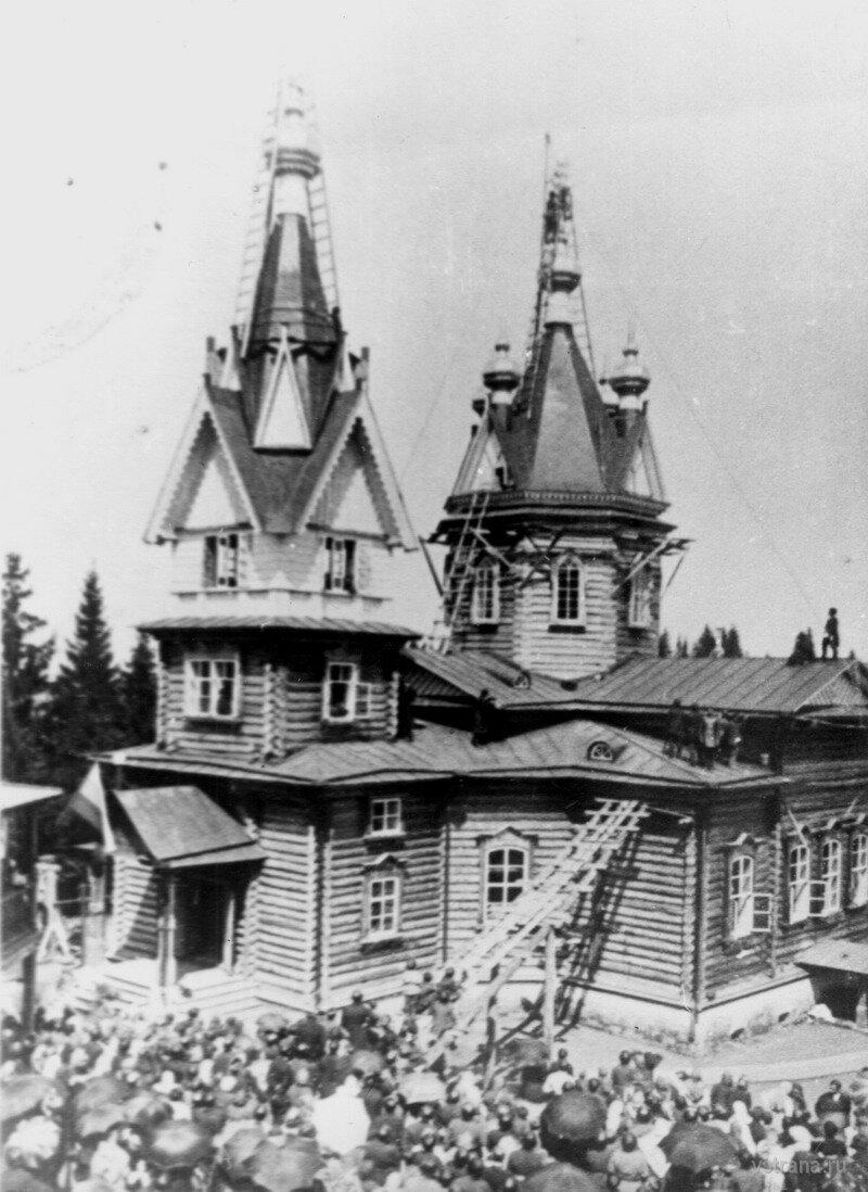 Монастырский храм св. Александра Невского.