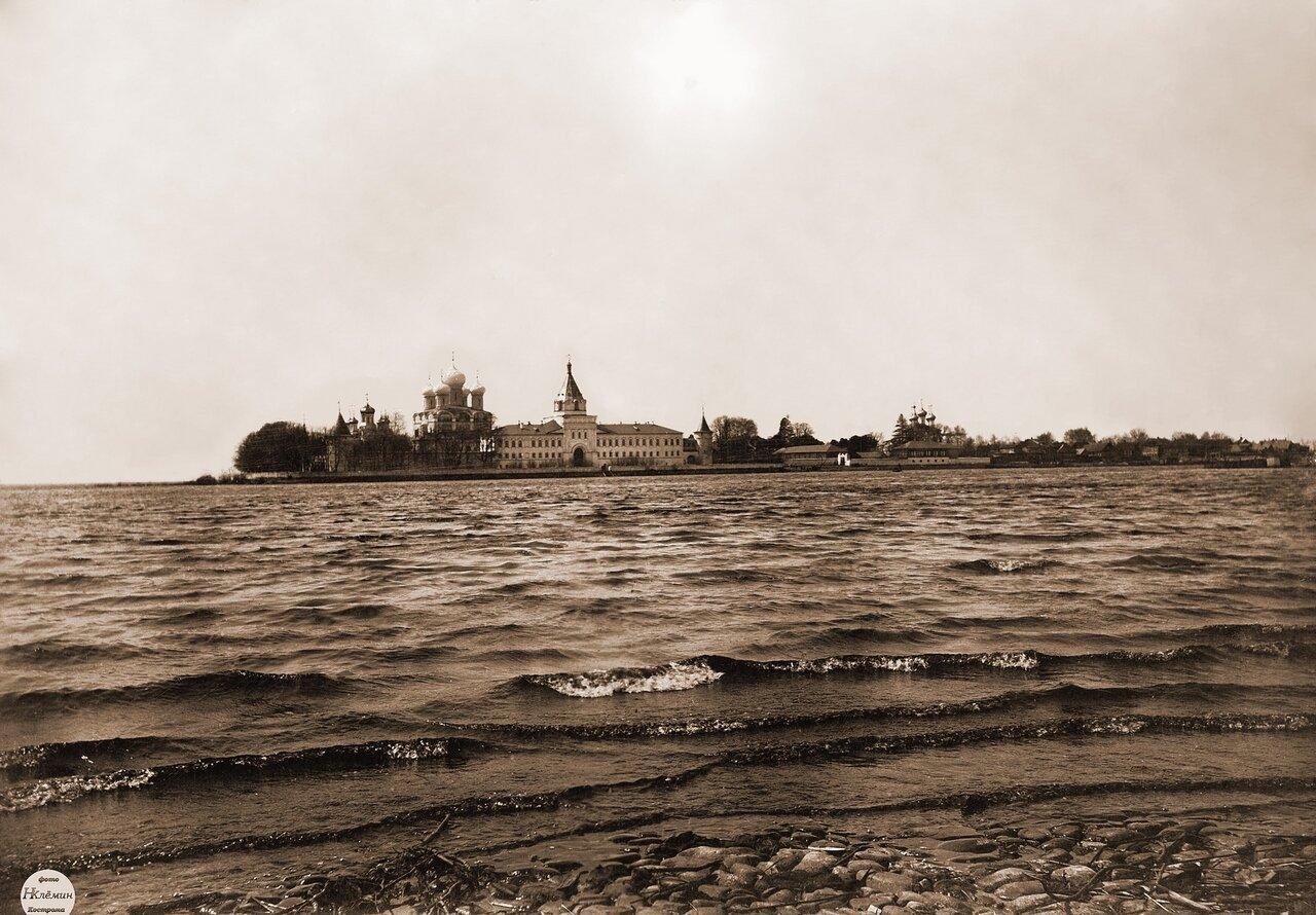 Ипатьевский монастырь. (Половодье).