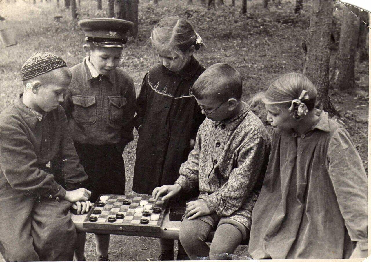 1957 г. Матч века в пионерском лагере