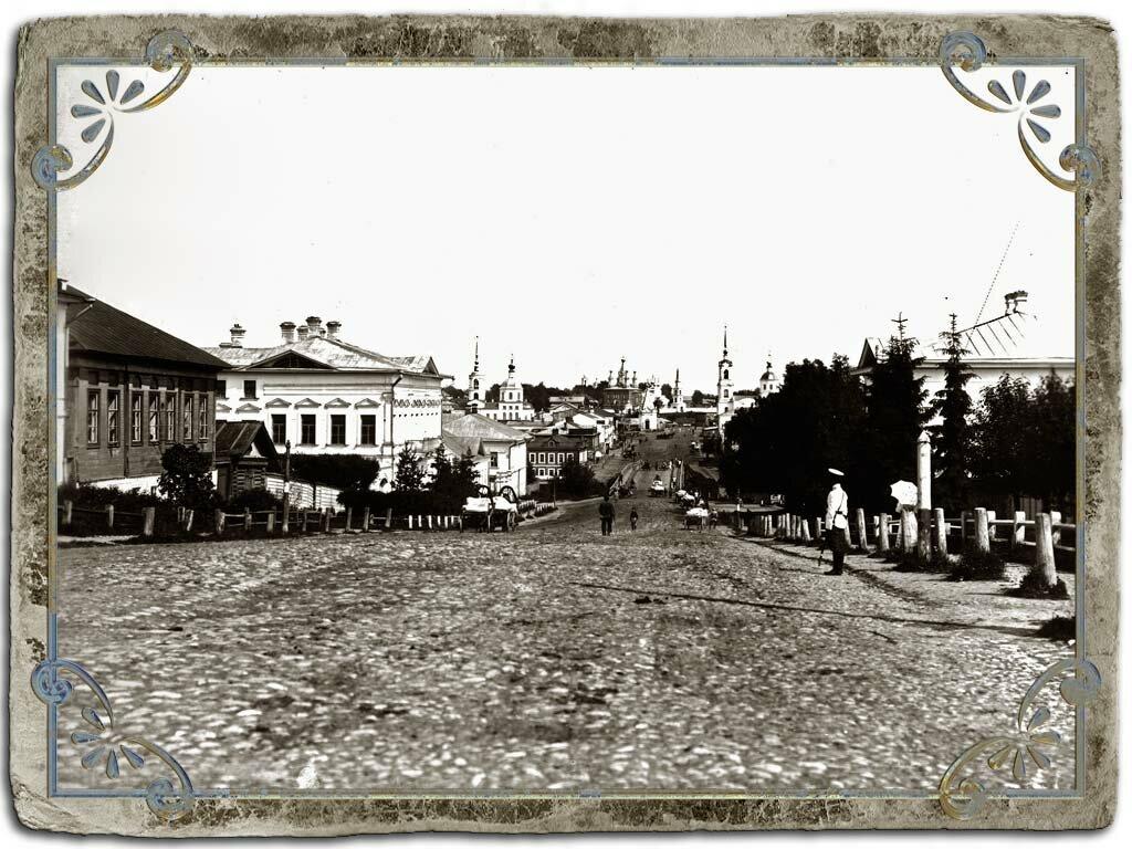 Московская улица. Вид в центр города