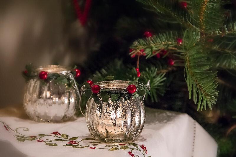 Всё чаще зажигаются новогодние свечи...