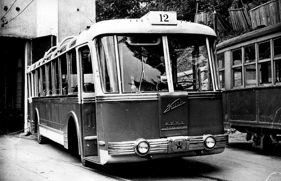 1958.07.03. Троллейбус ТБЭ-С производства КЗЭТ