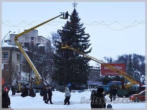 В Бельцах украсили главную новогоднюю ель