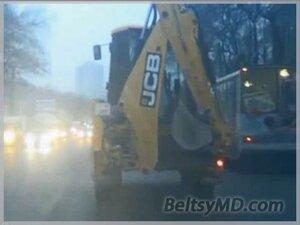 Кишинёв — пьяный водитель удирал на тракторе от полиции