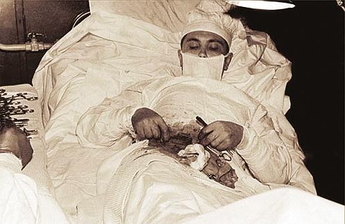 Сам себе хирург.