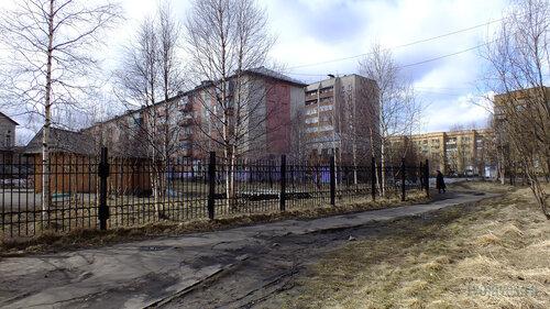 Фото города Инта №4340  Мира 45, 45а, 47, 42 и 41 (вид от юго-западного угла Мира 43) 07.05.2013_13:05