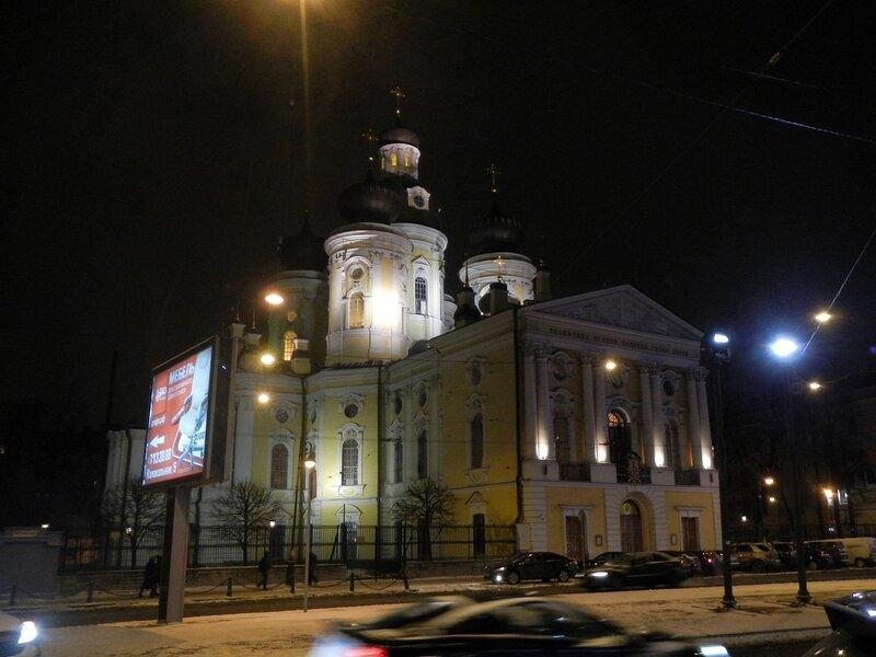 Владимирский собор ночью