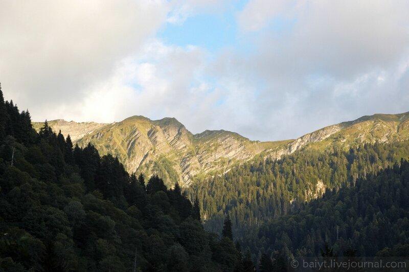 Рачинские горы на закате
